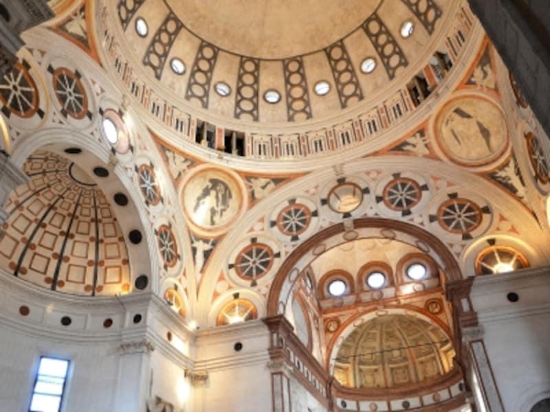 サンタ・マリア・デッレ・グラツィエ教会のドームとアプス