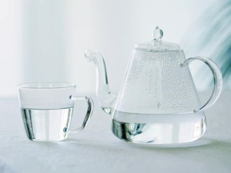 お酒の合間に白湯をひと口!
