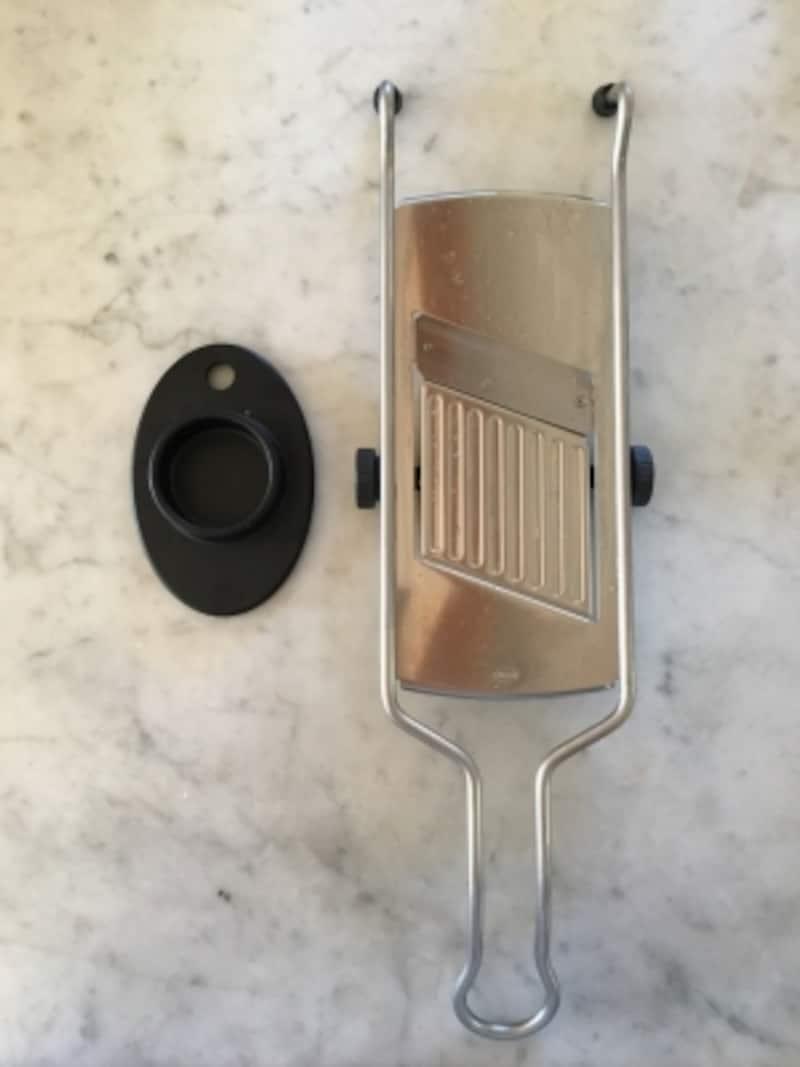 ドイツ製のスライサー。丈夫で切れ味も良く、使いやすいです