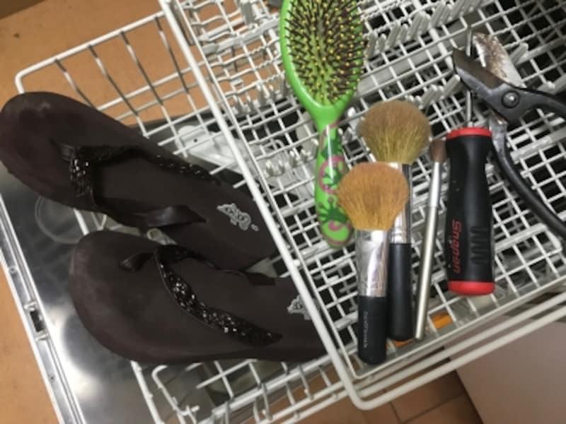 食洗機で洗えるもの!スポンジいらずの大掃除活用術
