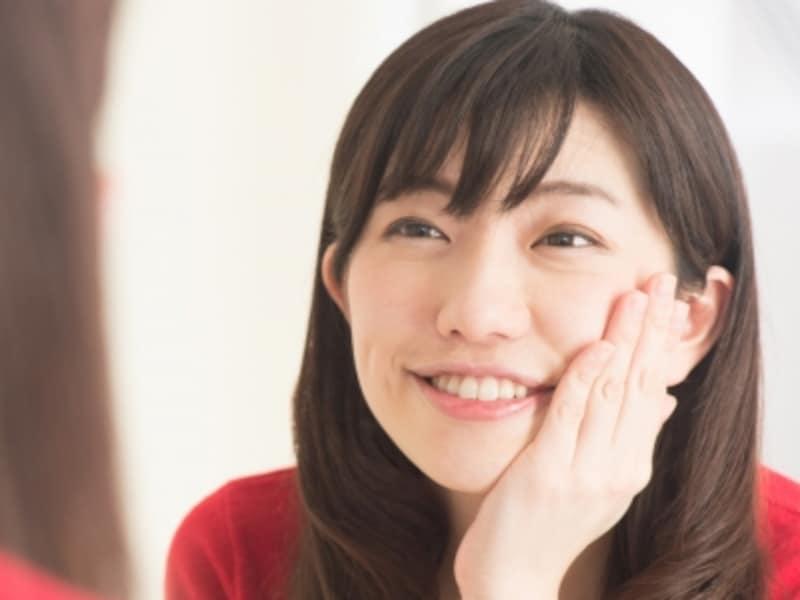 「笑顔の5パターン×目ヂカラ強弱」を練習しよう