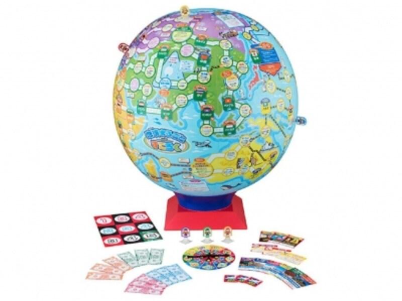 世界遺産の豆知識が入った50種類の世界遺産カードも付属。遊びながら知識も増やせます