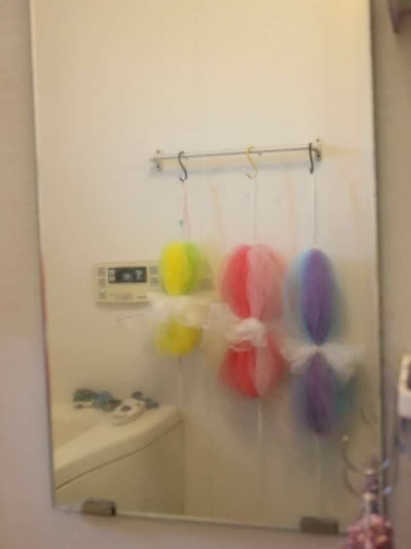 クエン酸パックを取ったあとに、メラニンスポンジで磨き、流してタオルでふき取ったら、浴室内の物がきれいに見えるようになりました