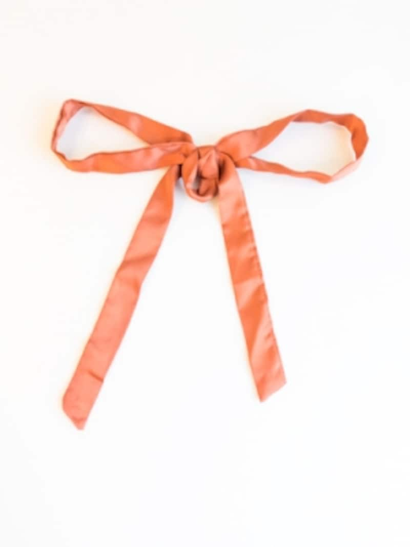 落ち着いたオレンジ色のリボン