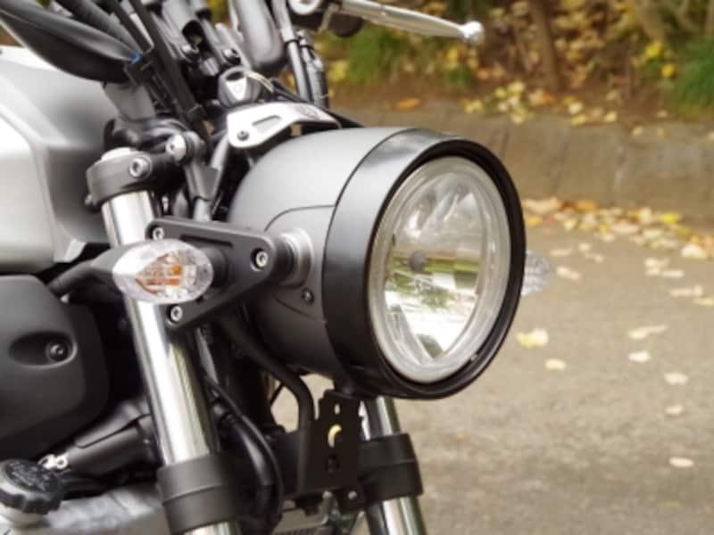 特徴的な砲弾型ヘッドライト