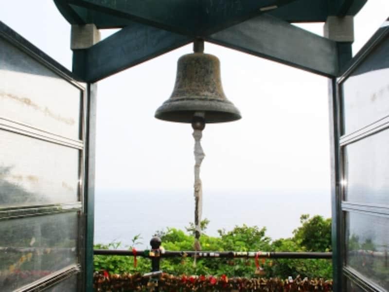 恋人の丘にある龍恋の鐘