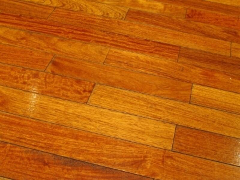 フローリングの床をピカピカに仕上がれば達成感もひとしお……ですが