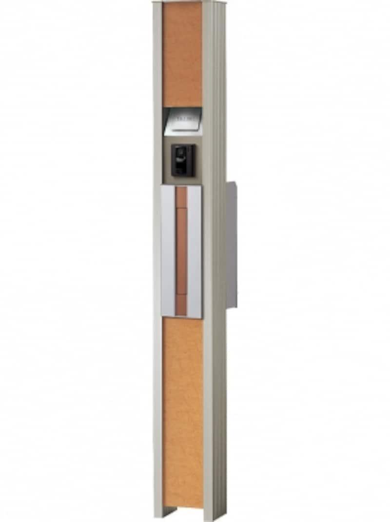 シンプルな縦型デザインのサインポスト。あたたかみのある木目調のパネルも特徴。[エントランスポールundefinedアーキッシュポール(LEDタイプ)]undefinedパナソニックエコソリューションズundefinedhttp://sumai.panasonic.jp/