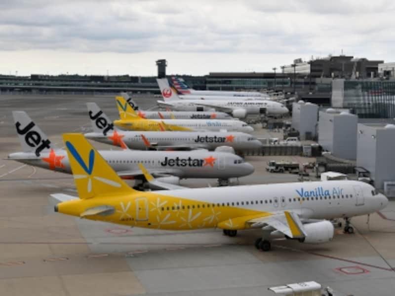 成田空港で多くのLCCが発着するのが第3ターミナル(写真手前)です。タイガーエア台湾とスクートは第2ターミナル※2018年撮影