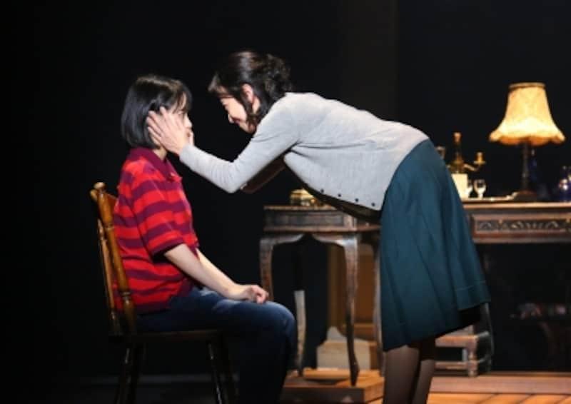 『FUNHOMEある家族の悲喜劇』写真提供:東宝演劇部