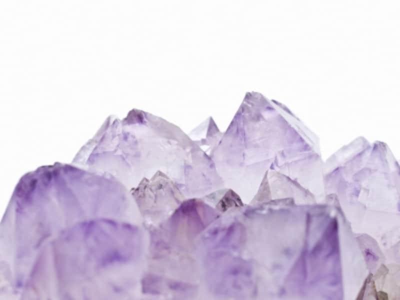 2月の誕生石「紫水晶(アメジスト)」は、良縁を結ぶと言われます