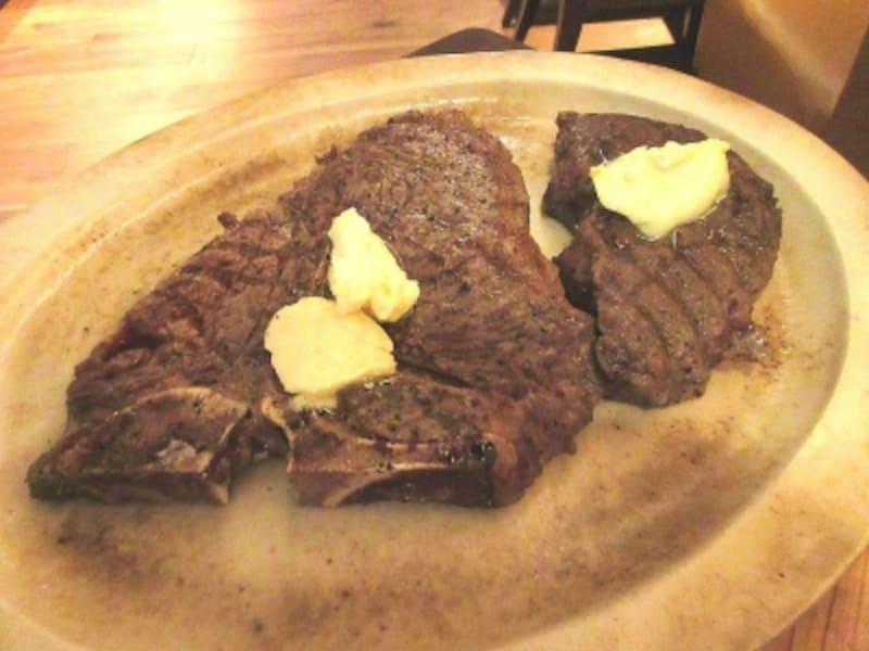 浅草ビューホテル薪火「宮崎齋藤牛腿肉炙り焼きステーキ、USTボーンの薪焼きグリル」