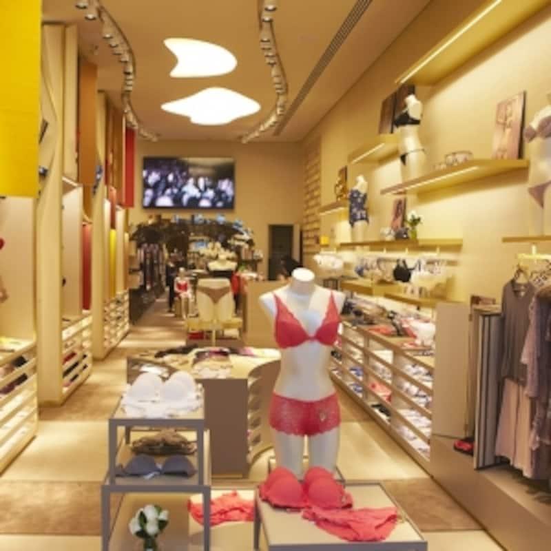 サンパウロの高級ファッションエリア、オスカーフレイレにあるHOPE路面店