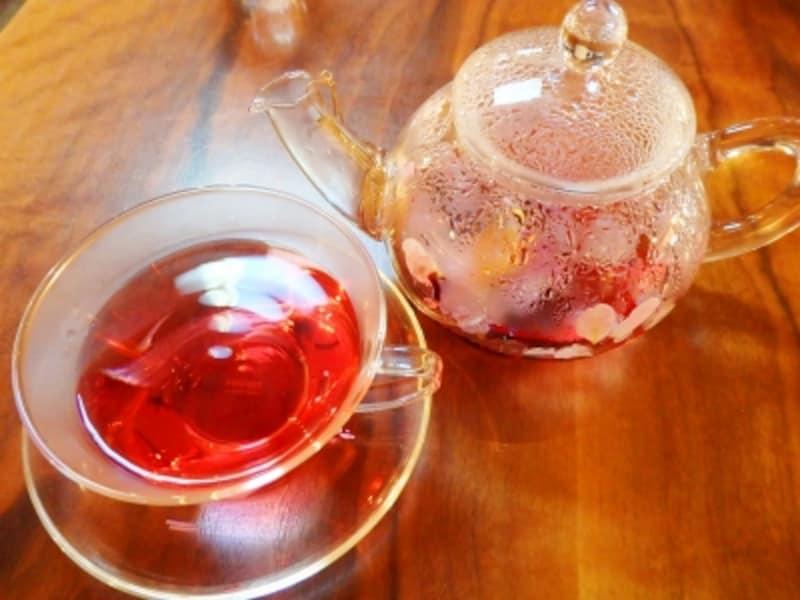 紅色のきれいなお茶PASSIONforBeauty