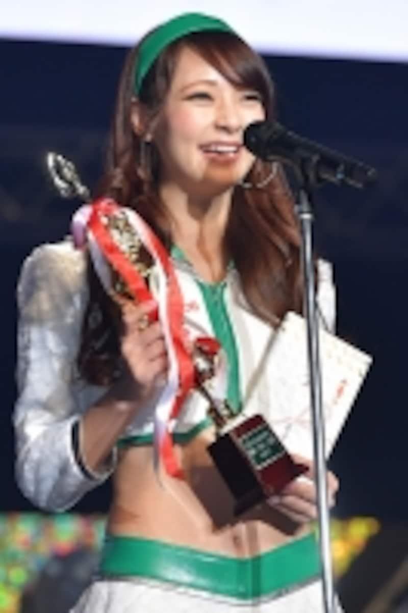 レースクイーン大賞を受賞した阿久津真央さん