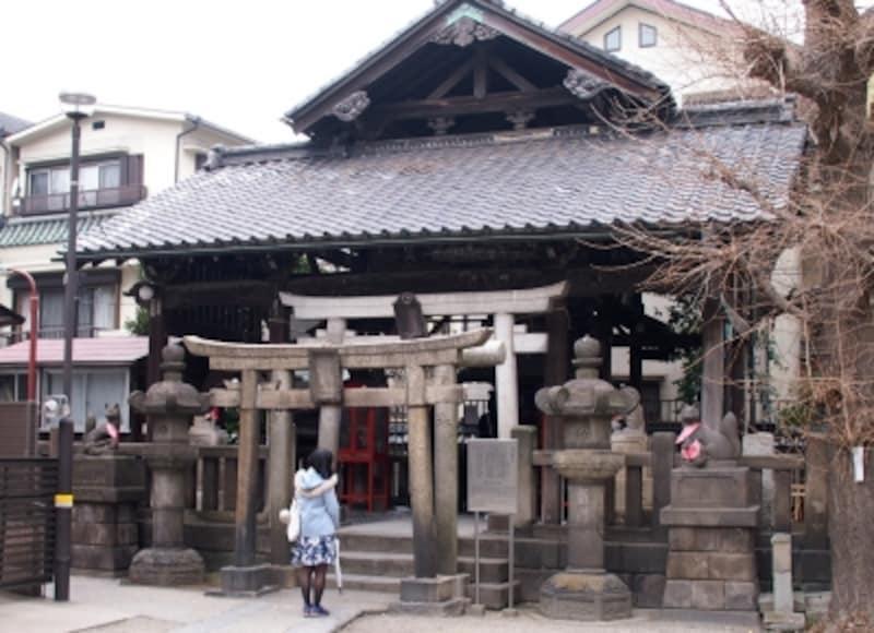 御朱印は「浅草神社」の授与所でいただける