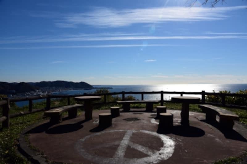 大崎公園からは、逗子・葉山の海が見渡せて、とても気持ちがいい!