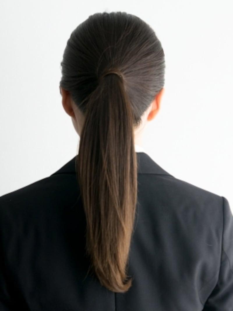 毛流れが整い、結んだ毛束がするんとまとまり、知的な印象