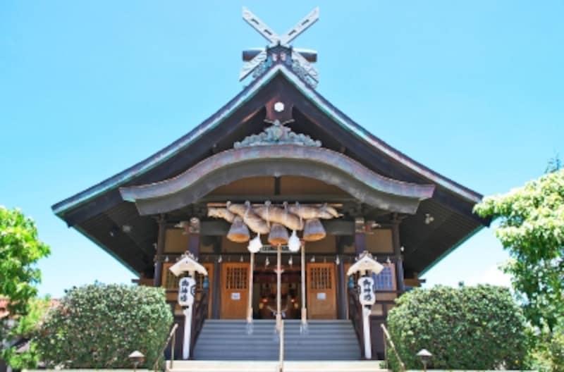 御本殿は出雲大社と同じ「大社造り」と呼ばれる日本最古の神社建築様式