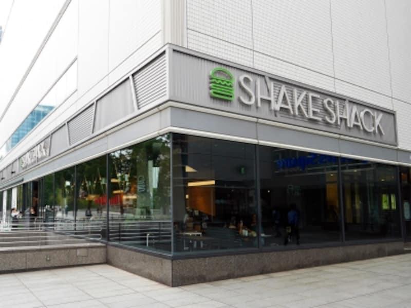 みなとみらい東急スクエアにオープンした「ShakeShack(シェイクシャック)みなとみらい店」(2017年9月27日撮影)