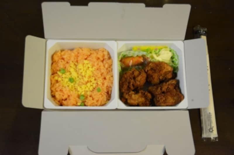 チキン弁当の中身