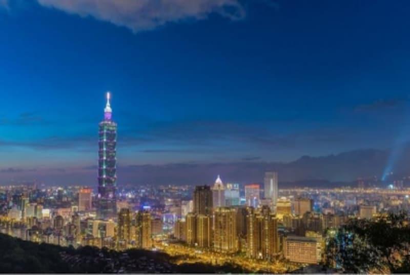 色とりどりに輝く台北の町並みPhotoby士航魏