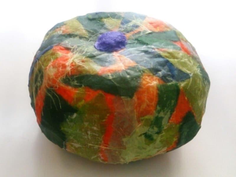 小学生作品の「立体かぼちゃ」のりが乾く前の作品