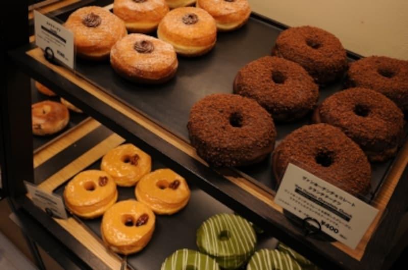 GOODTOWNDOUGHNUTSでは京都宇治抹茶ドーナツ(380円)がスタッフイチオシ