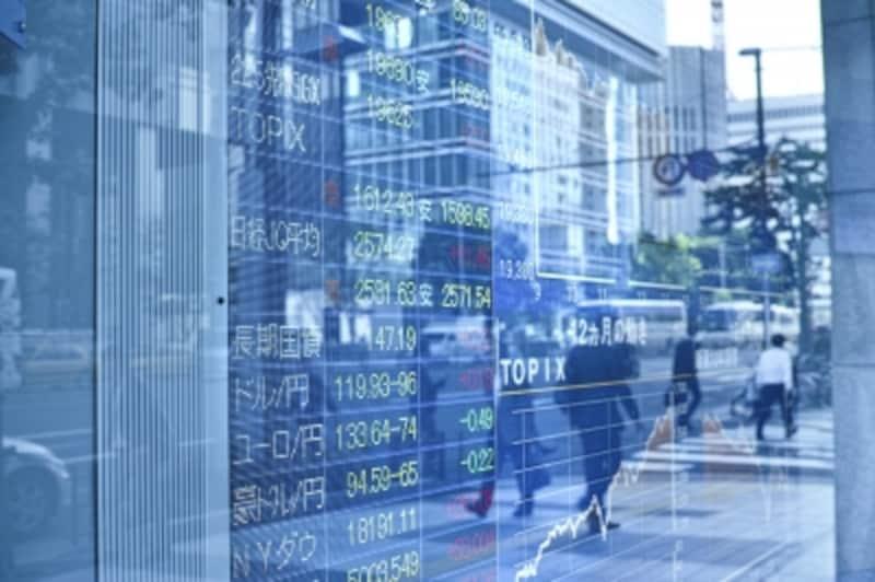 日米の株式市場が揺れています。この急落はチャンスなのでしょうか?それとも更なる暴落の始まりなのでしょうか?