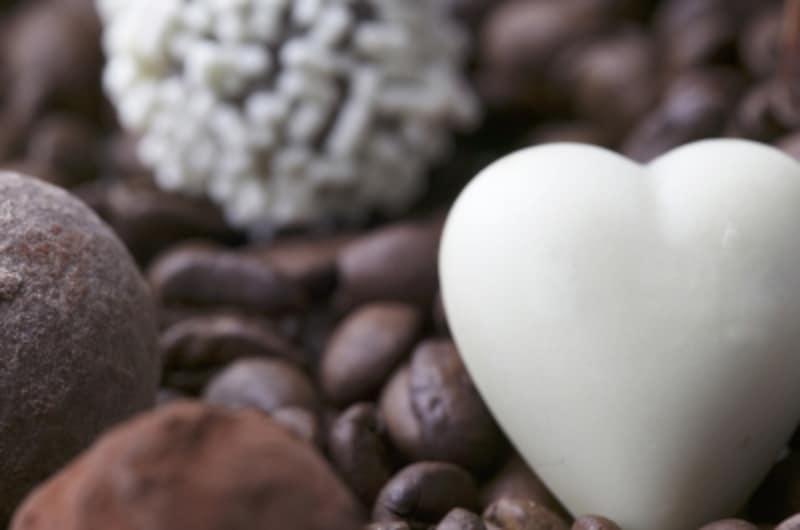チョコは幸せホルモンセロトニンを分泌
