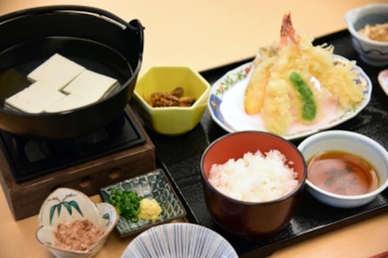 箱根姫の水たま肌もめん湯豆腐御膳(一部)