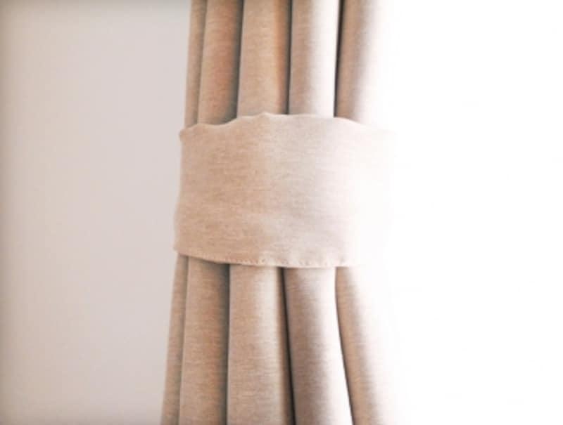 ベッドルーム・寝室の模様替えアイデアその4。タッセルを手作りするには