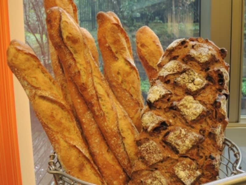 バゲット・トラディション、パン・ミュースリー