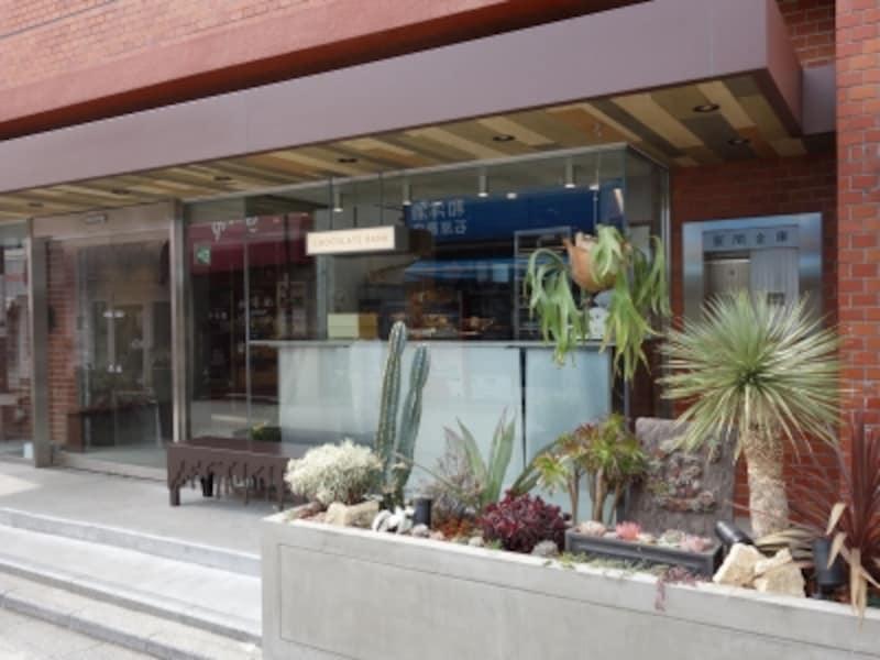 旧・東日本銀行鎌倉支店の跡地をリノベーション。