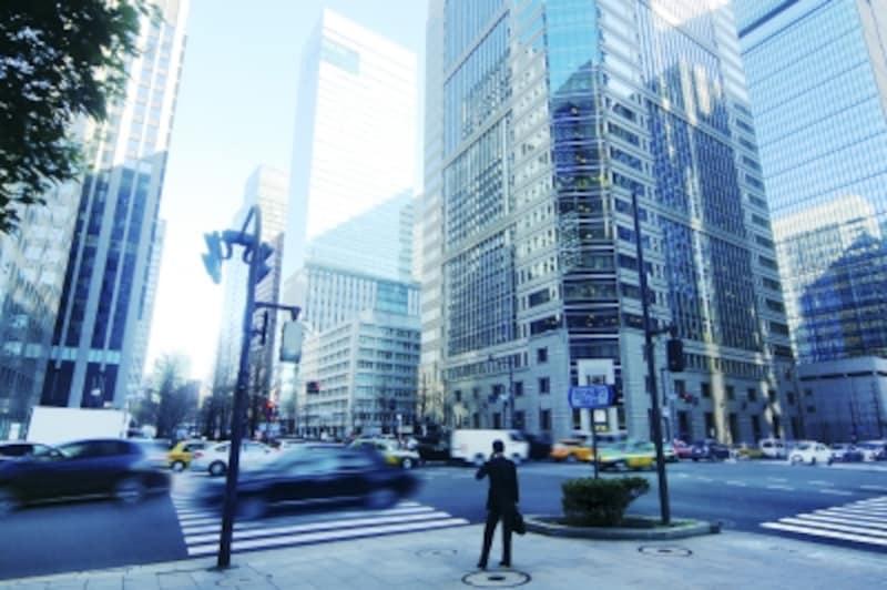 「家計の金融行動に関する世論調査」(2017年)によれば、40代の平均貯蓄額は643万円