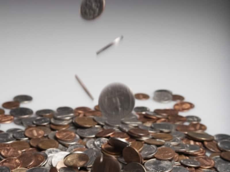 50代の平均貯蓄額は1113万円、中央値は400万円