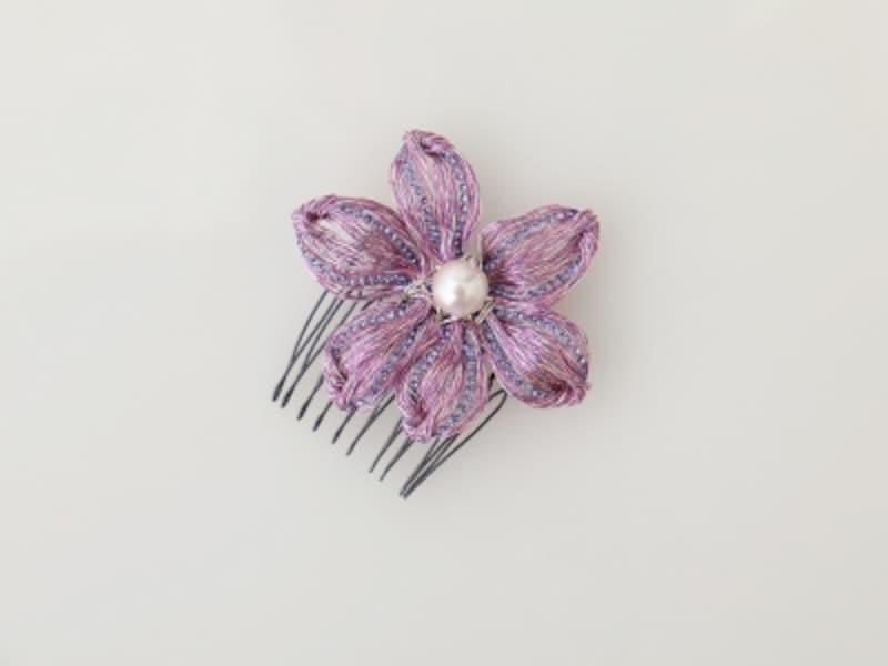 花びらの形をしたワイヤーヘアアクセ