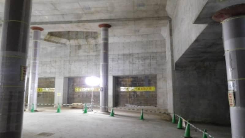 工事中の東口地下広場