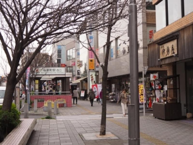 桜新町周辺の桜は、見ごろはの月上旬から4月下旬まで八重桜が楽しめる