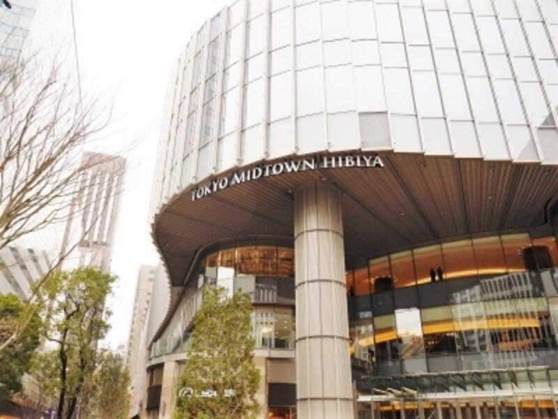35階建てビルの低層階が全60店舗の商業ゾーン