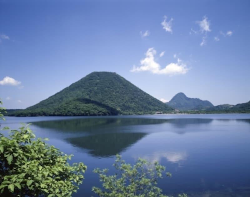 春の榛名湖