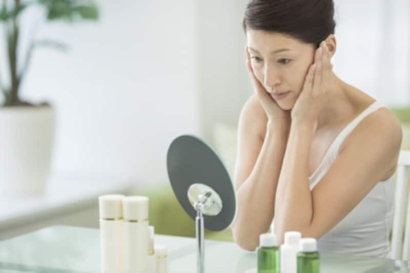 詰まり毛穴やたるみ毛穴などの毛穴トラブルが多くの女性を悩ませている