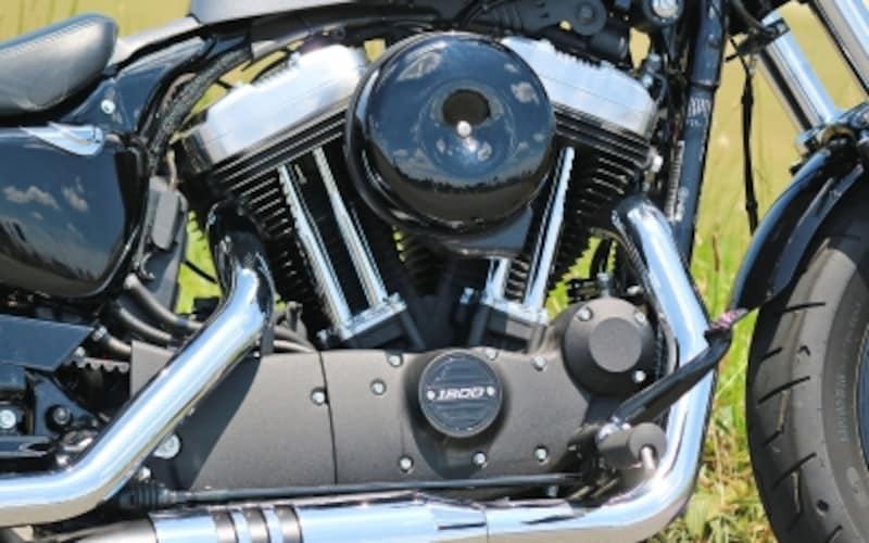 空冷Vツインエンジン「エボリューション」(排気量1,202cc)