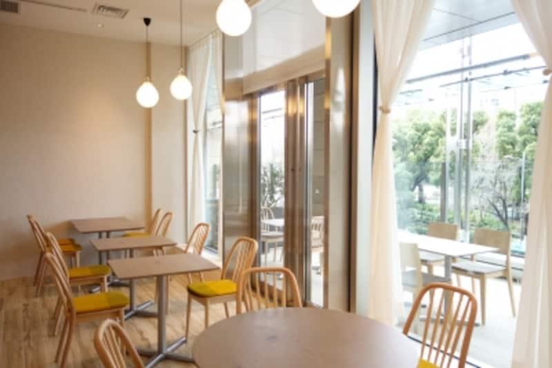 東京ミッドタウン日比谷「モルソー」のテラス席