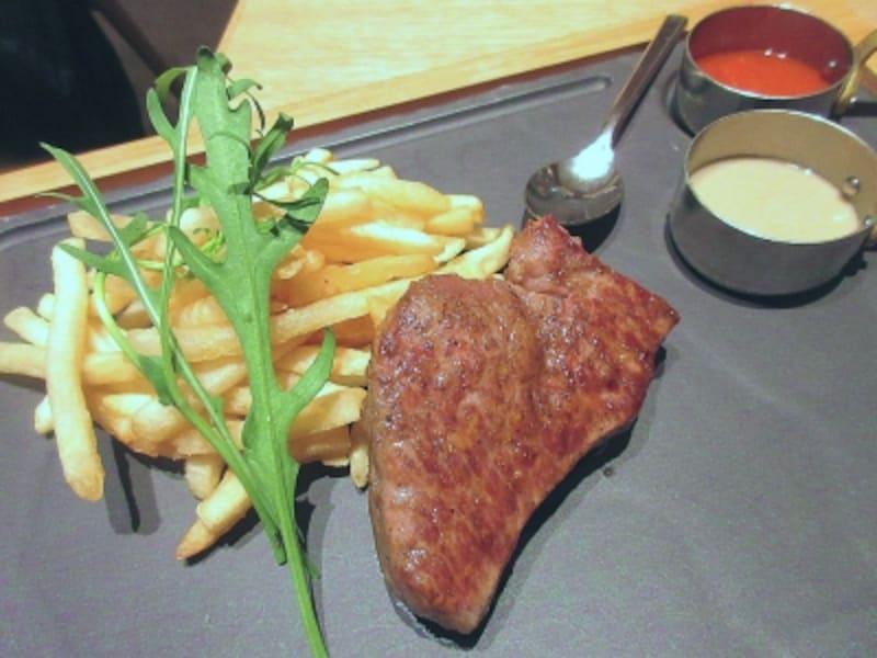 サザンタワーダイニング熊本県産あか牛ロース肉の鉄板焼