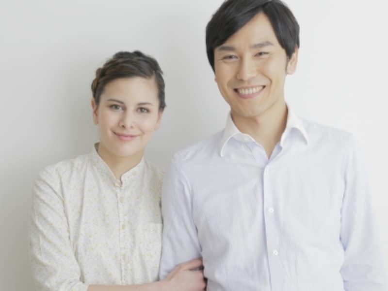 日本人男性と外国人女性という組み合わせの婚姻が減っている。