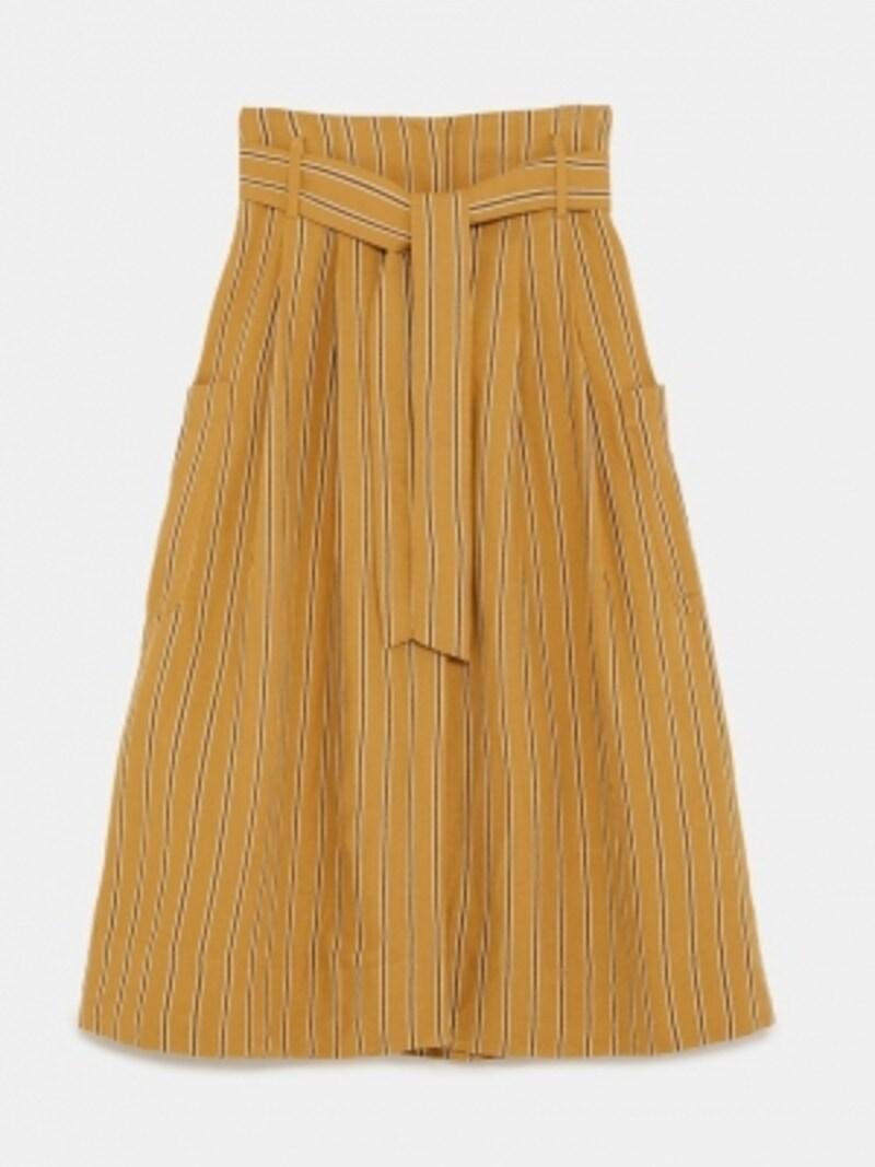 リボンディテール付きボリュームスカート7990円(税込)