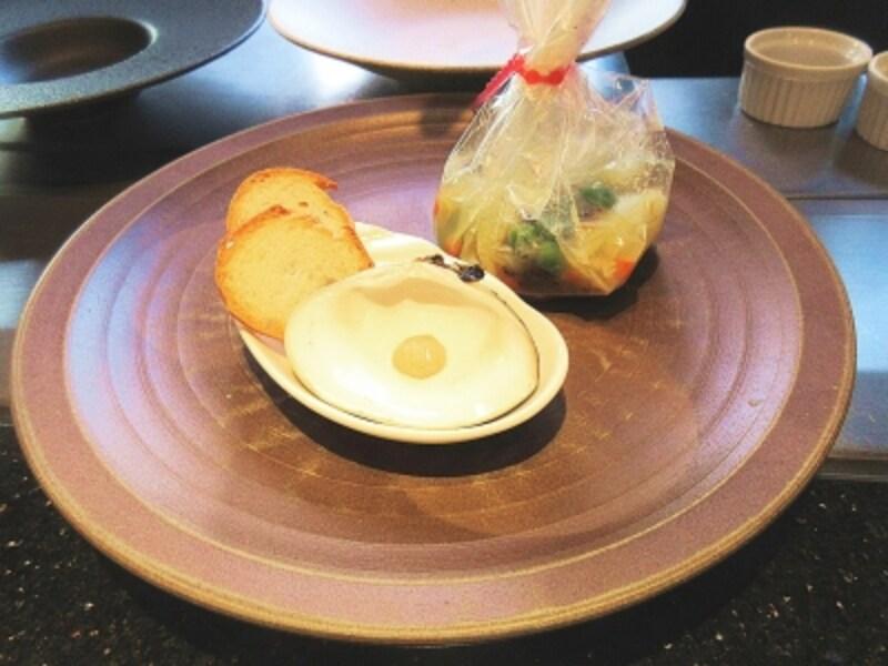 浜木綿蛤メバルホワイトアスパラガスのカルタファタ包み