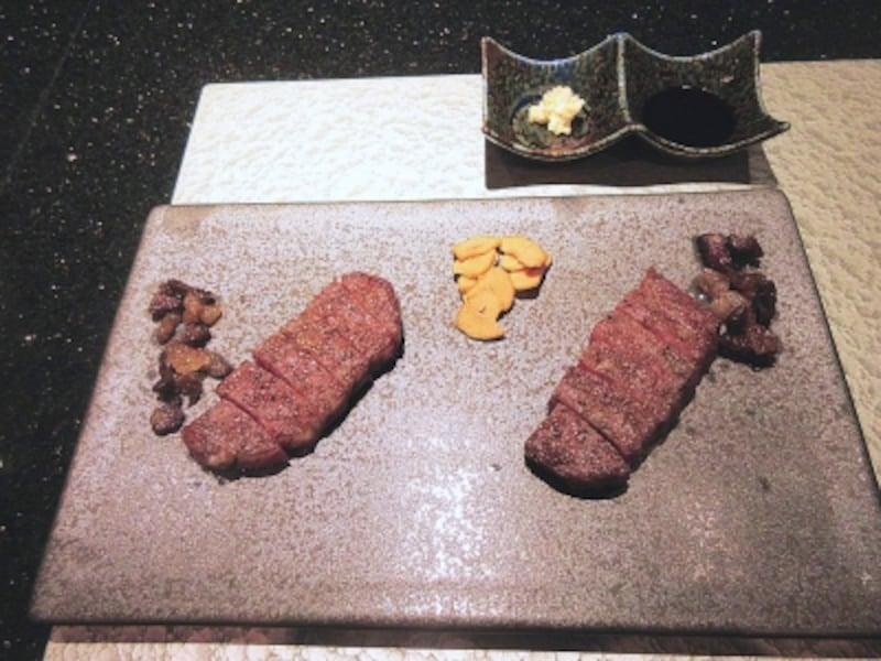 浜木綿左は神戸ビーフのサーロイン、右は宮城県の黒毛和牛サーロイン