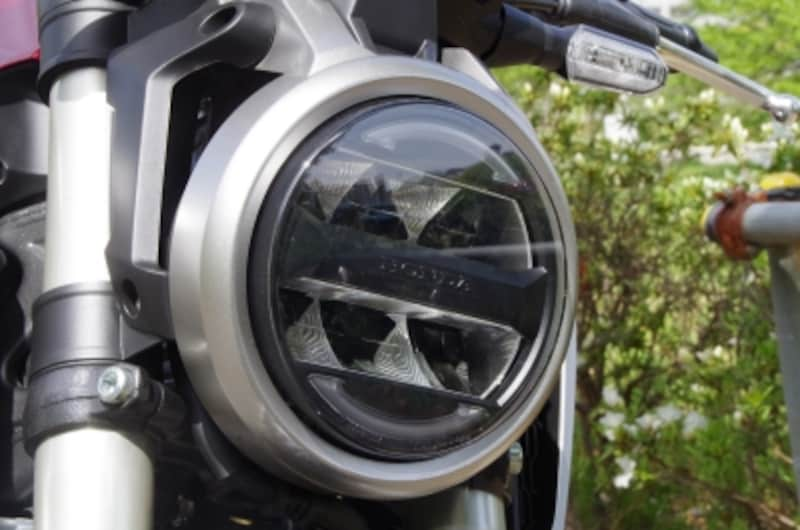 CB125RのLEDヘッドライト